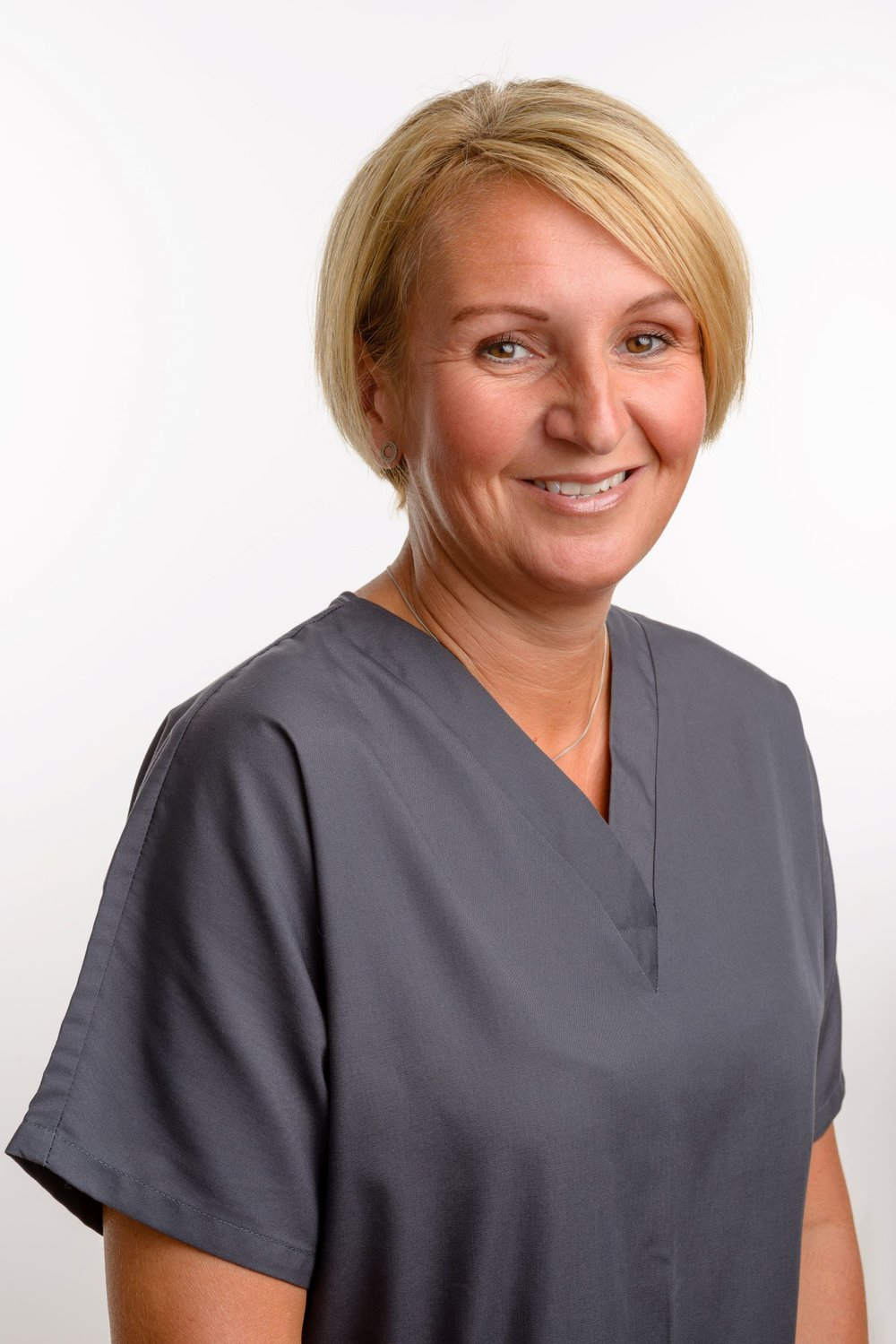 Lisa LabordeDental Nurse - National Certificate in Dental NursingGDC reg no: 111921Lisa has been a dental nurse for 26 years! She gained her dental nursing qualification in May 1995 and since then she has worked in several practices including an Oral Surgery referral practice, where she gained a huge amount of experience including dealing with nervous and anxious patients. In her spare time she loves spending time with her family.