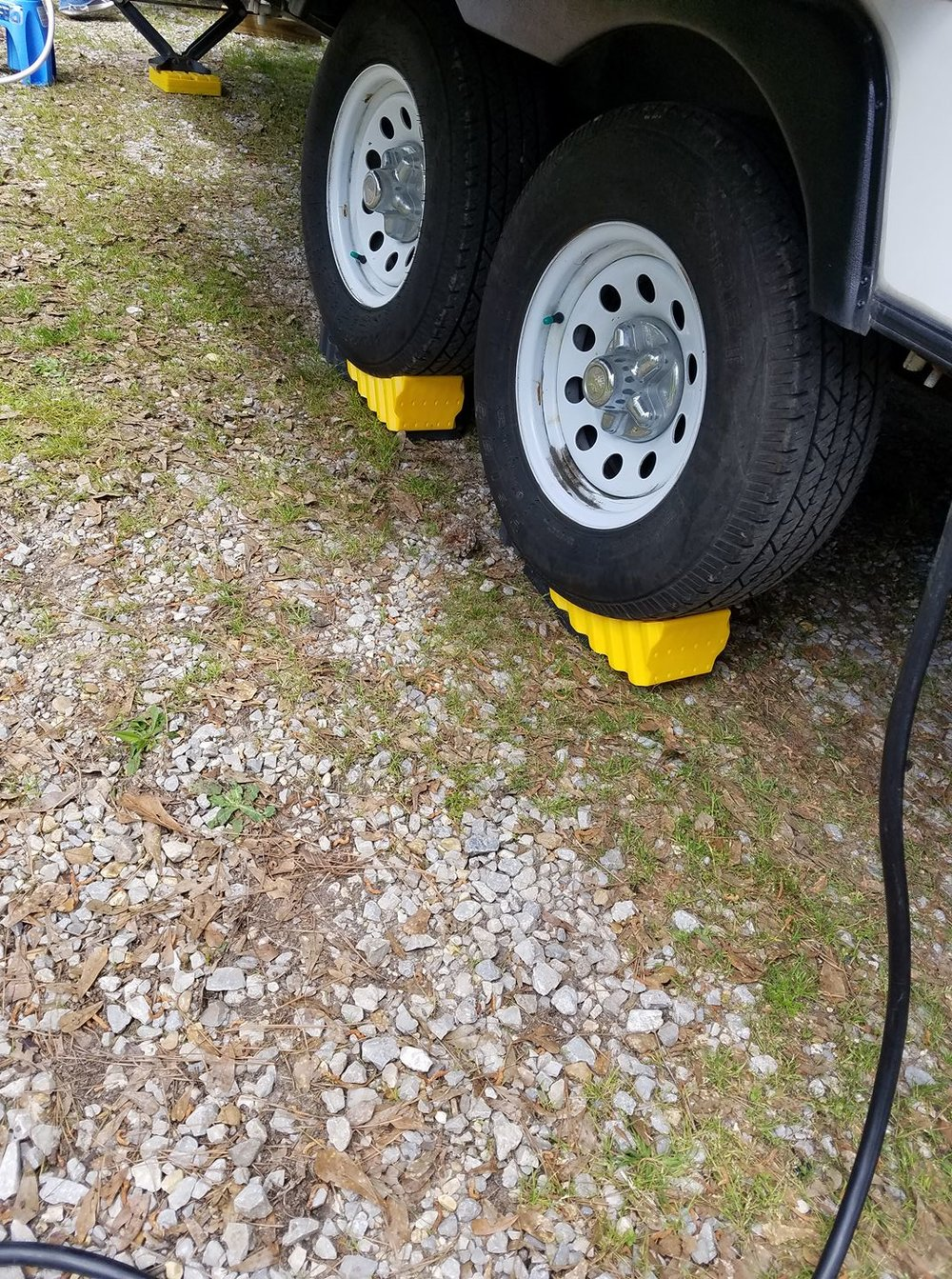 Camco Levelers - Camco's shorter version of the leveler