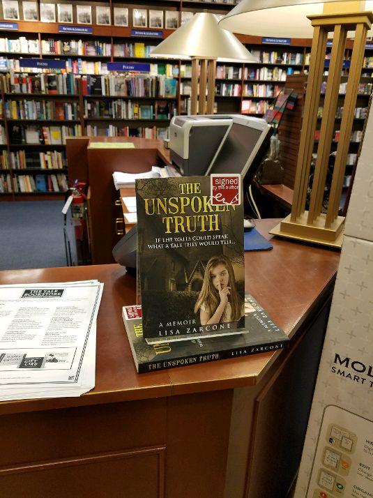 Yale Bookstore2.jpg