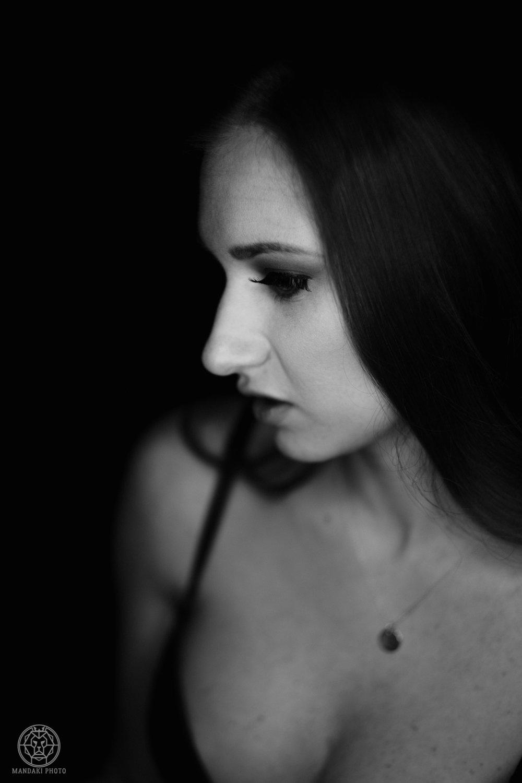 Julienne-Boudoir_02-15-2018-FB-012.jpg