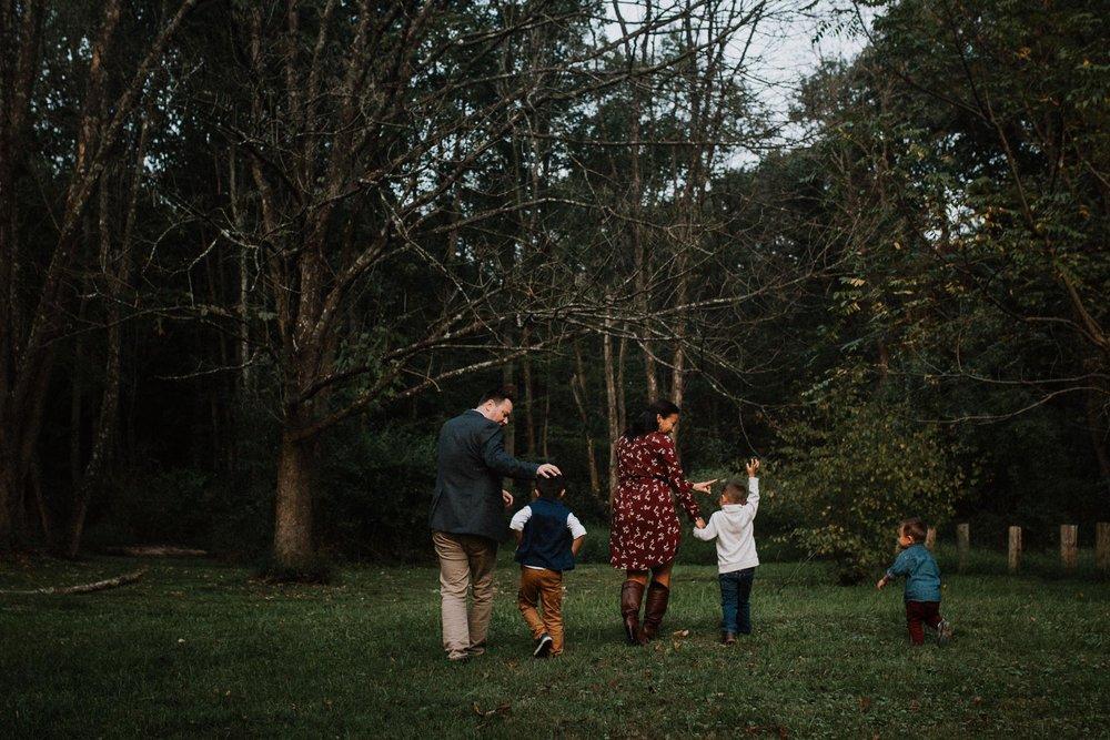 family of five Family Lifestyle Documentary Sunset Golden Hour Izaak Walton League Leesburg Loudoun Virginia Marti Austin Photography