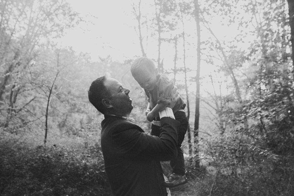 black and white father son toddler Family Lifestyle Documentary Sunset Golden Hour Izaak Walton League Leesburg Loudoun Virginia Marti Austin Photography