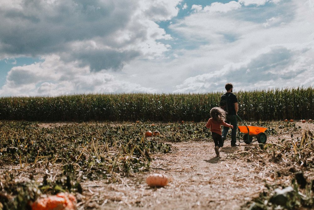 father daughter farm pumpkin patch fall Ashburn Loudoun Virginia Lifestyle Documentary Family Marti Austin Photography