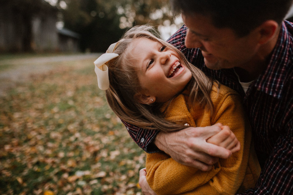 father daughter fall autumn family lifestyle documentary Heritage Farm Museum Claude Moore Park Sterling Virginia Marti Austin Photography