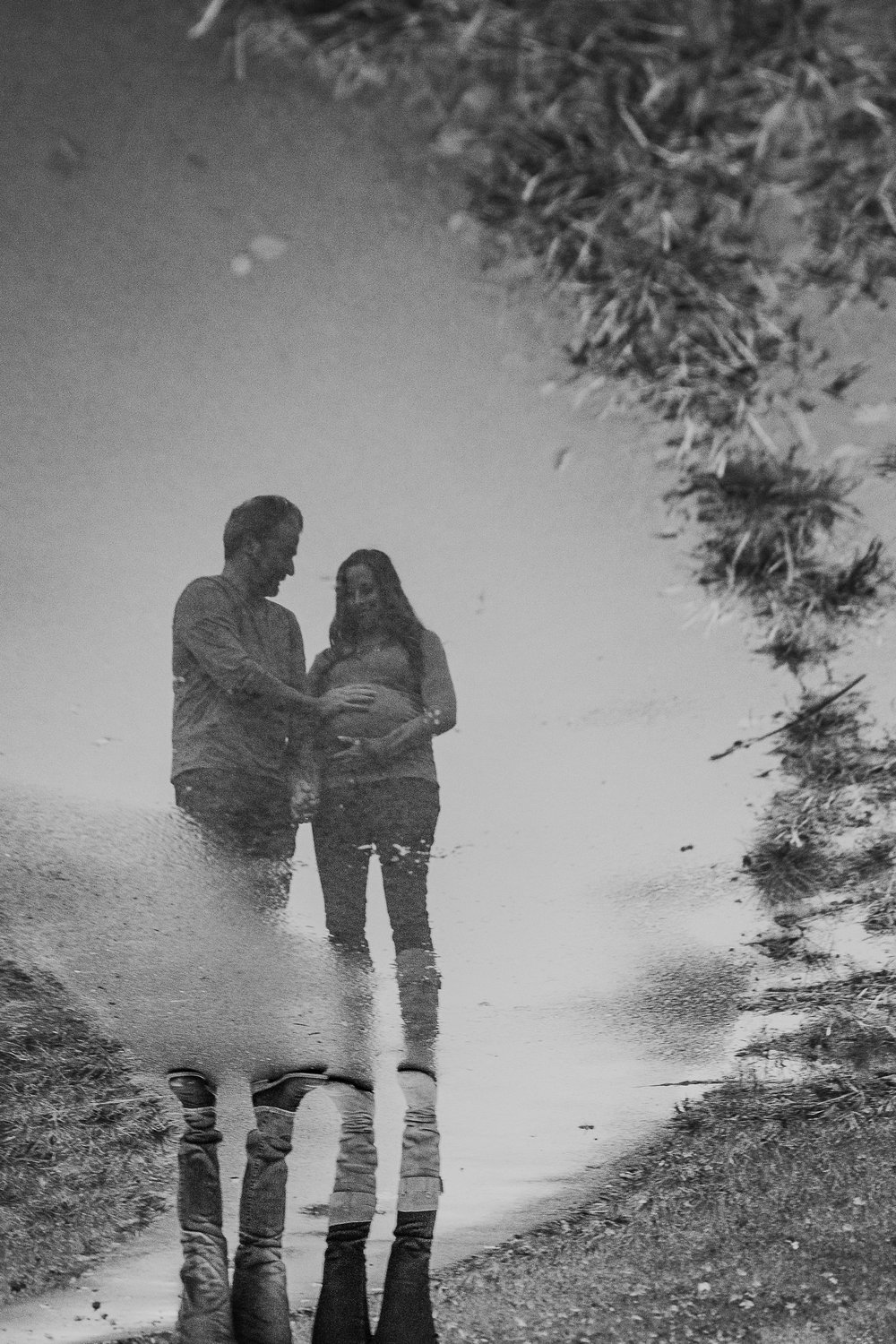 black and white puddle reflection fall autumn sunset lifestyle documentary maternity couple family Aldie Willowsford Boat House Loudoun Virginia Marti Austin Photography