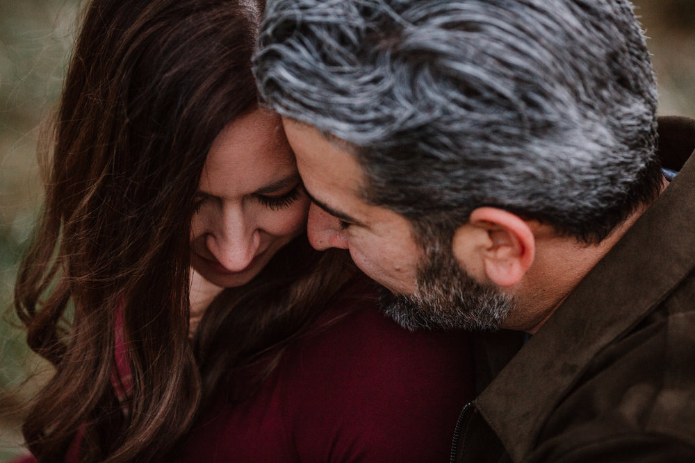 couple close up details fall autumn sunset lifestyle documentary maternity couple family Aldie Willowsford Boat House Loudoun Virginia Marti Austin Photography