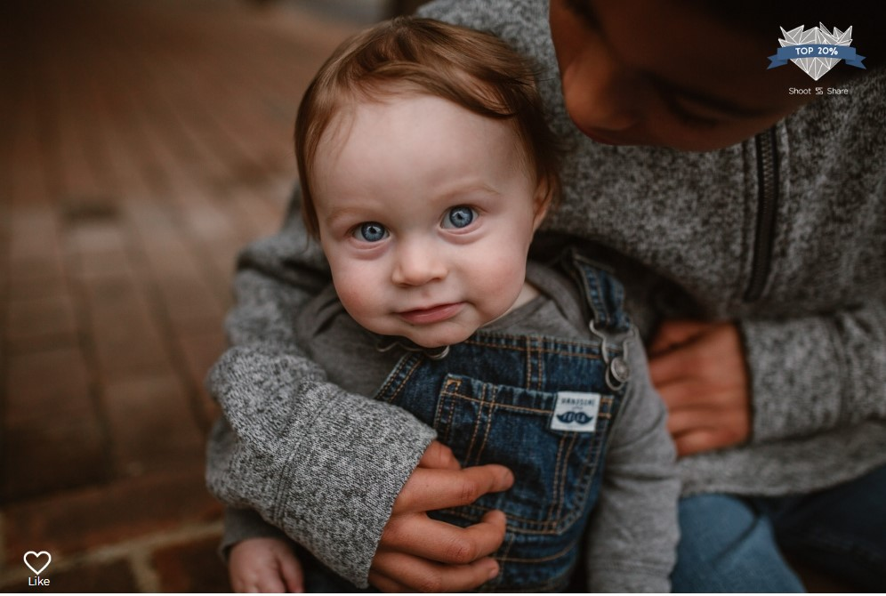 toddler brothers blue eyes hands details lifestyle documentary ashburn loudoun virginia shoot and share contest Marti Austin Photography