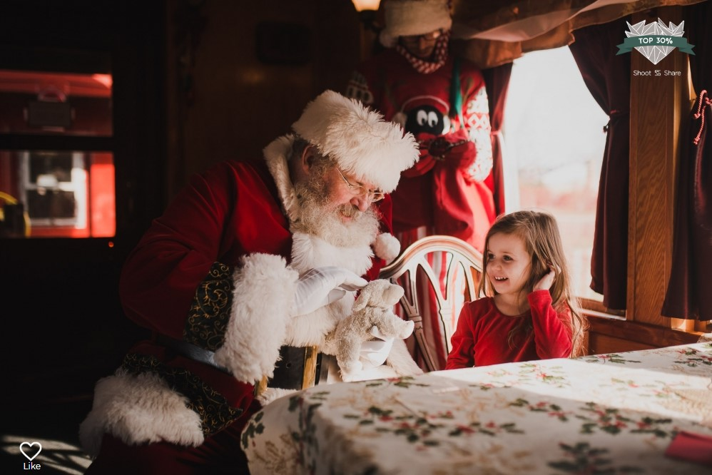 santa girl train lifestyle documentary ashburn loudoun virginia shoot and share contest Marti Austin Photography