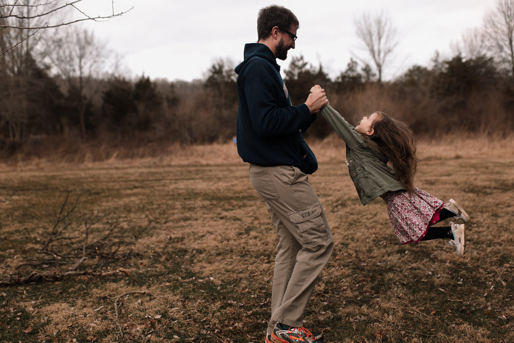 father daughter twirl spin lifestyle documentary family Claude Moore Park Ashburn Loudoun northern Virginia  childhood Marti Austin Photography