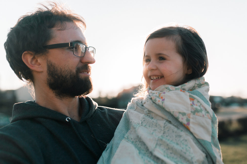 father daughter golden hour quilt lifestyle documentary family Ashburn Loudoun northern Virginia  childhood Marti Austin Photography
