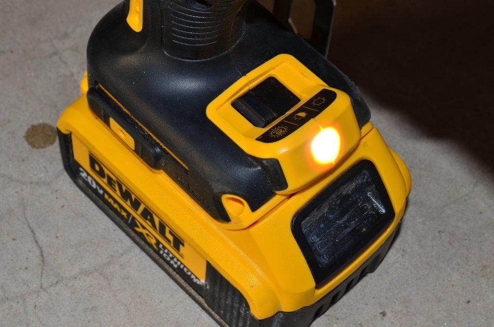 dewalt-20v-high-torque-brushless-impact-driver-with-light