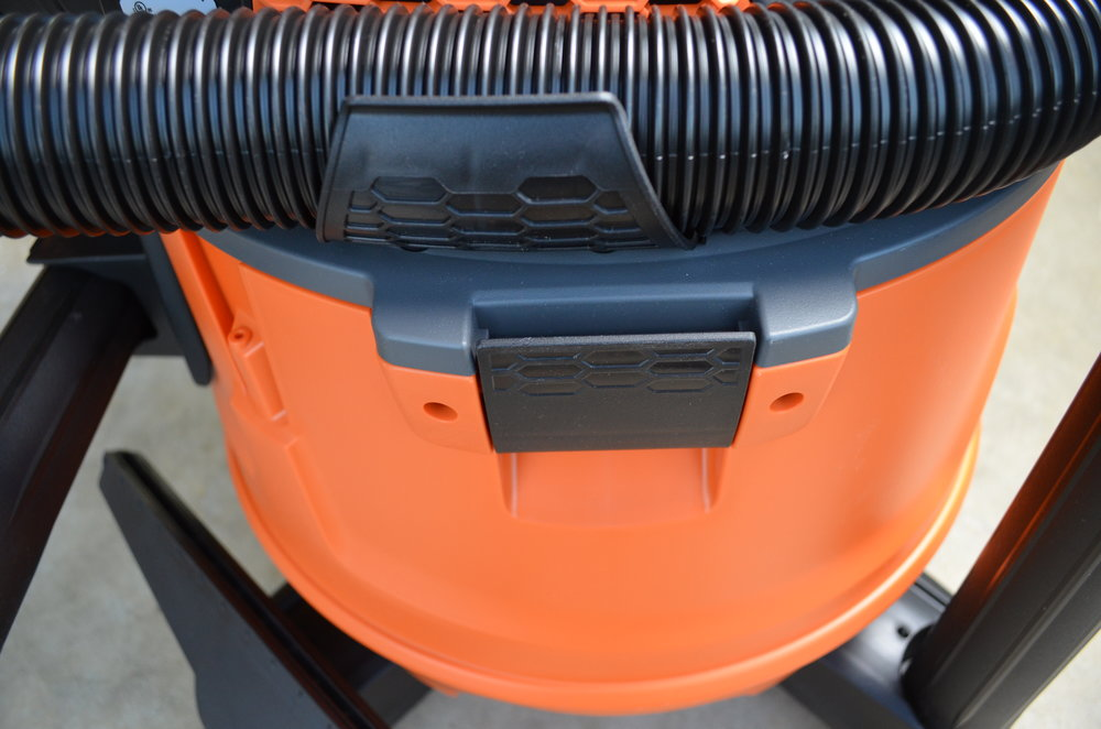 ridgid-nxt-dry-wet-vac-6hp-14gal-hose-organizer