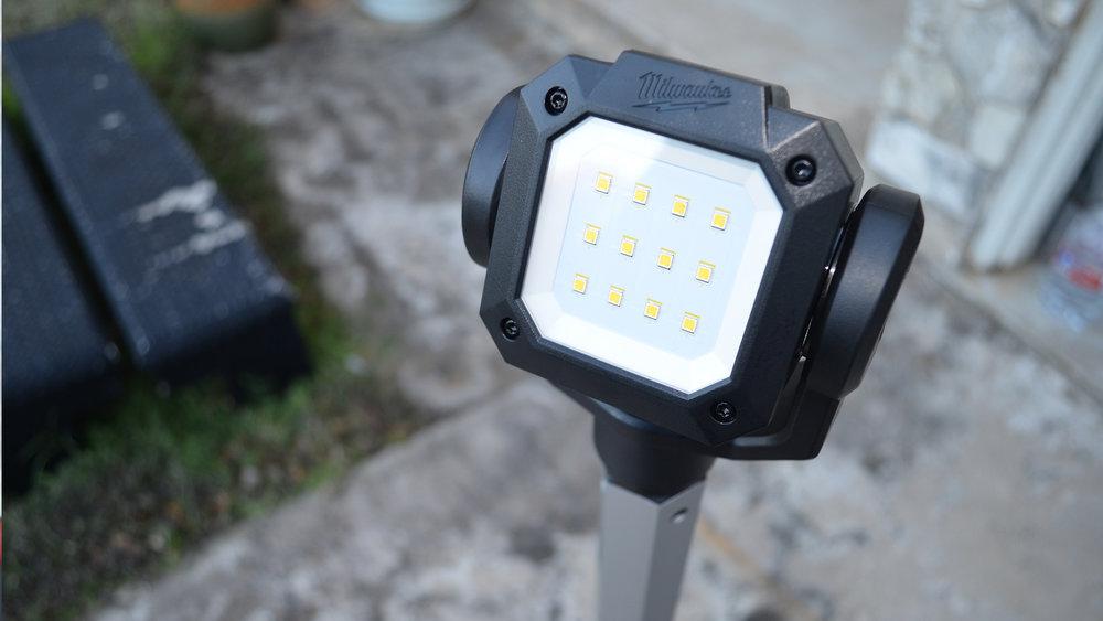 milwaukee-m12-rocket-jobsite-LED-work-light