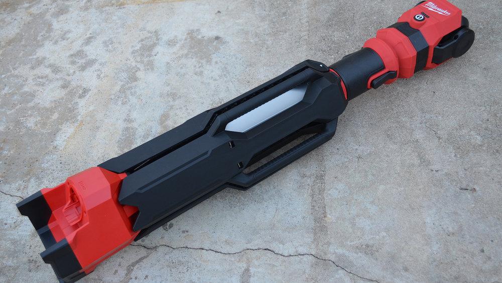 milwaukee-m12-rocket-jobsite-LED-work-light-portable-carry