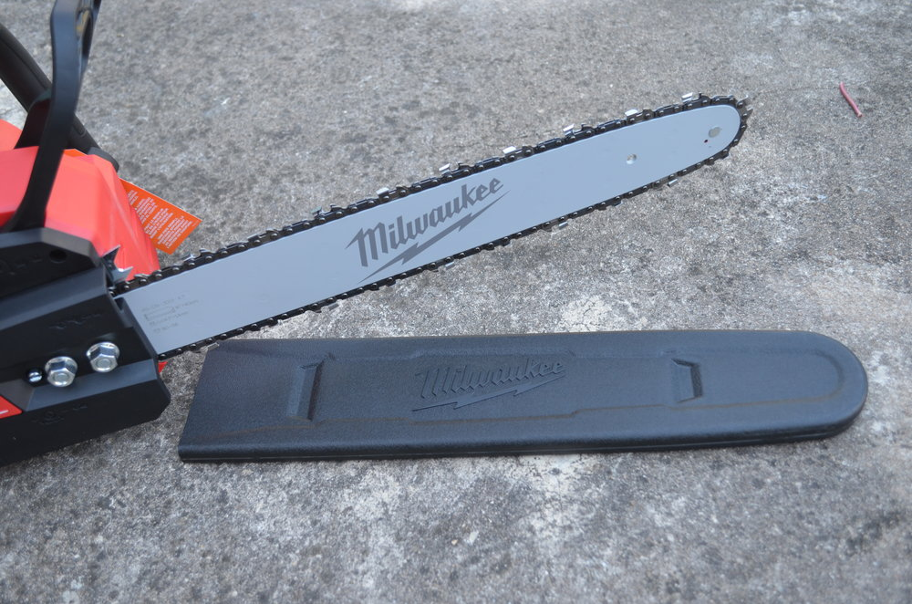 milwaukee-m18-fuel-18v-brushless-cordless-chainsaw-blade