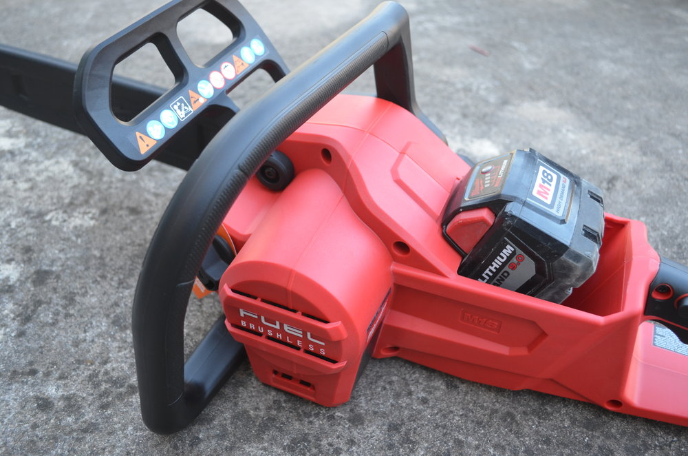 milwaukee-m18-fuel-18v-brushless-cordless-chainsaw-with-battery