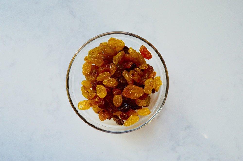 golden raisins, raisins