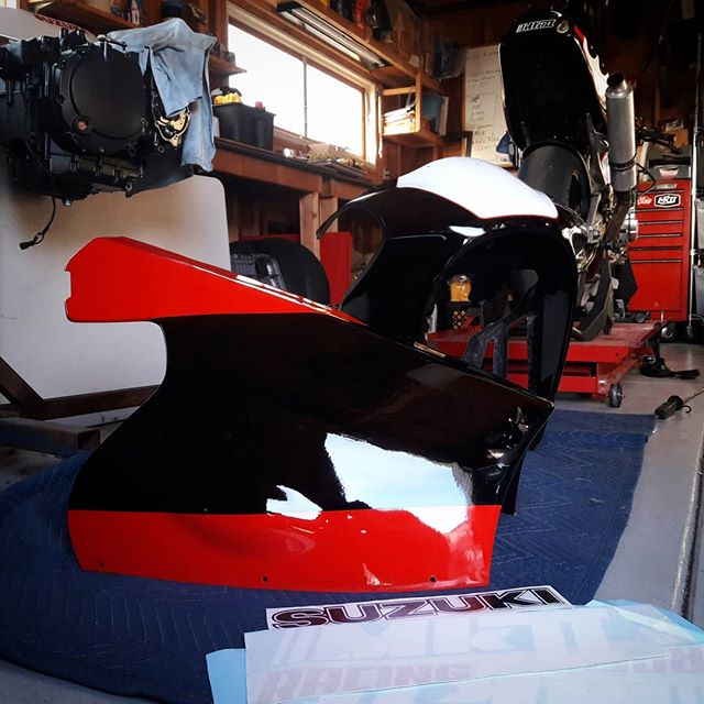 Freshies . . . Are you ready for the new season? Thanks @airtech.streamlining  for the Yosh F1 fairings and Bert at Concept Five for repairing my crashed set and painting the new one! #mk2racing #gsxr #slingshot #racebike #ahrma #nextgen #yoshimura #decals #moredecals