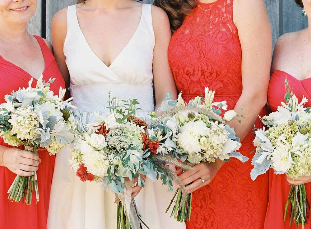 September bride Ellory and bridesmaids, Vicki Grafton Photography