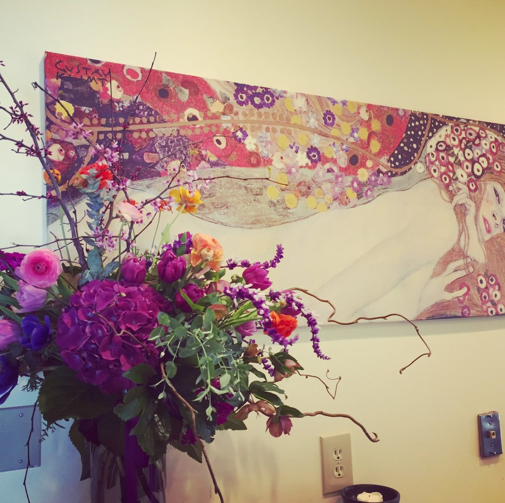 birthday flowers and Klimt painting