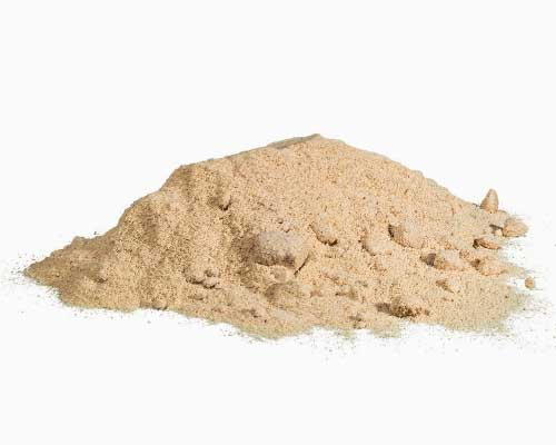 """LUCUMAPULVER - Lucuma er en peruviansk frugt, der også kaldes """"inkaernes guld"""". Lucumapulver er rigt på naturlige kostfibre, vitaminer, mineraler, betacaroten og jern. Det har en sødlig smag, der minder om en blanding af ahornsirup, karamel og malt. Lucumapulver er ideelt i juicer og smoothies, men bestemt også i raw kager, is, cookies, babymad og alle typer af desserter."""