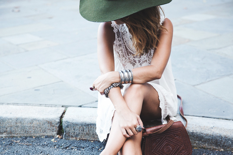 Manhattan-Lack_Of_Color_Hat-Vintage_Dress-NYC-Street_Style-Outfit-10
