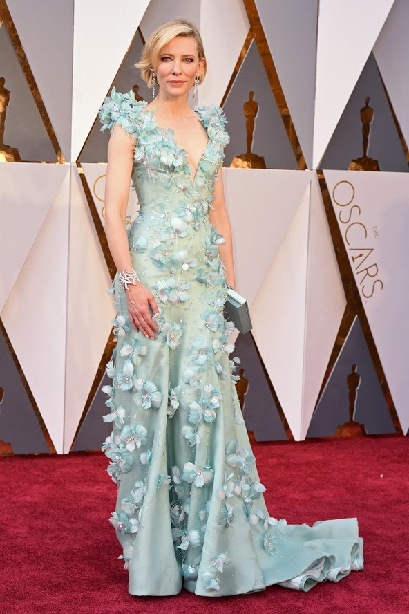 Cate-Blanchett-Oscars-2016-Red-Carpet-Vogue-28Feb16-Rex_b_592x888