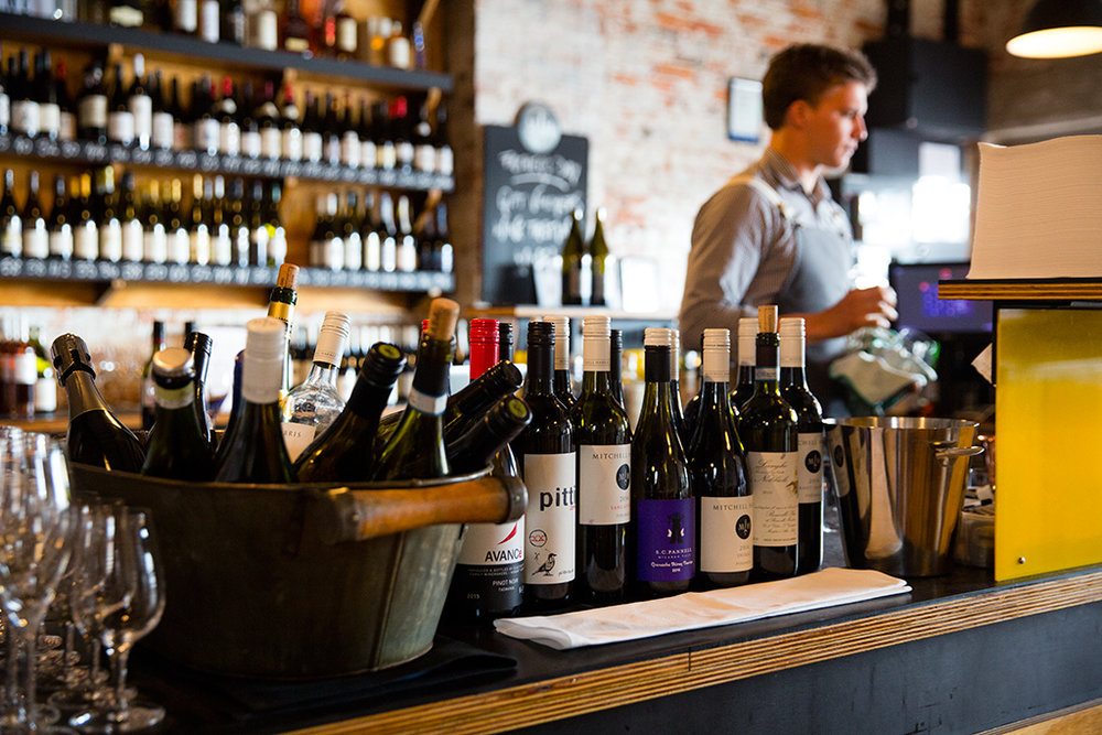 Mitchell-Harris-Wine-Bar-2-Stylesnooperdan.jpg