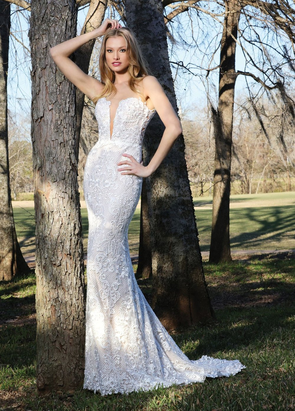 AshleyJustinBridal-BridesbyYoung-PlusSizeWeddingDress-10414.jpg