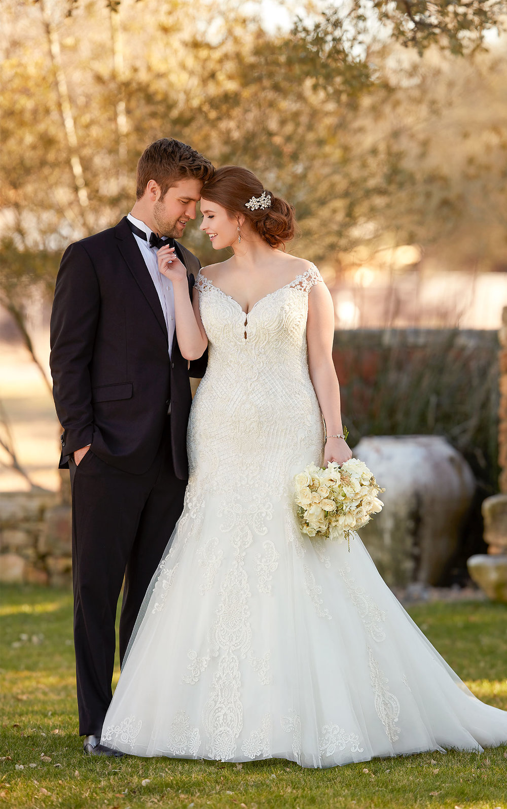 EssenseBridal-BridesbyYoung-PlusSizeWeddingDress-2434.jpg
