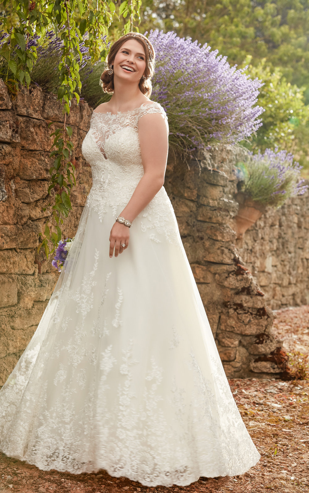 EssenseBridal-BridesbyYoung-PlusSizeWeddingDress-2327.jpg