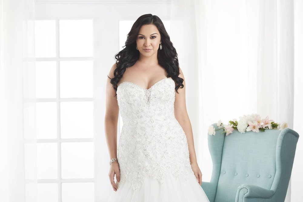 BonnyBridal-BridesbyYoung-PlusSizeWeddingDress-1812.jpg