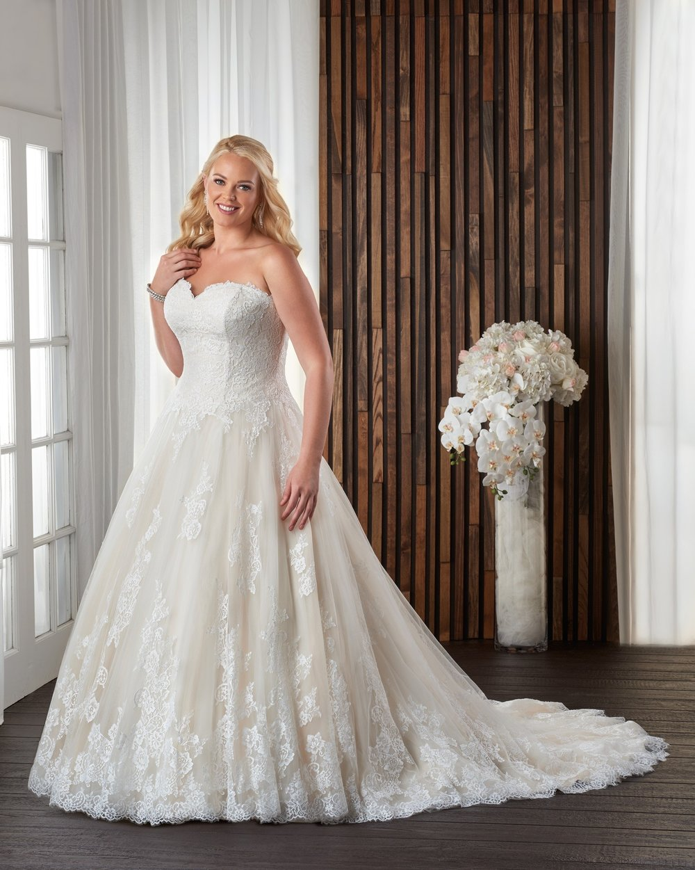 BonnyBridal-BridesbyYoung-PlusSizeWeddingDress-1711.jpg