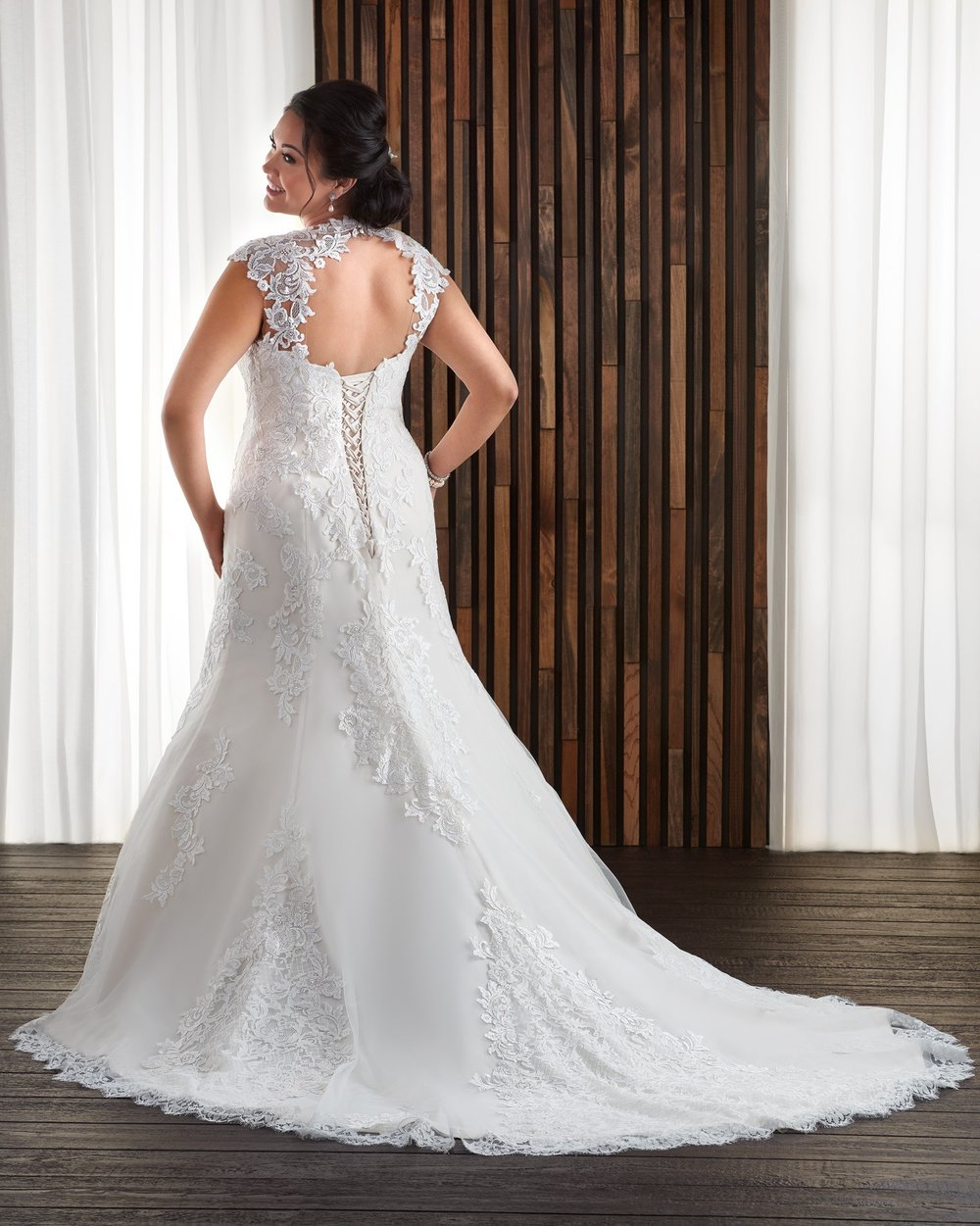 BonnyBridal-BridesbyYoung-PlusSizeWeddingDress-1712-1.jpg
