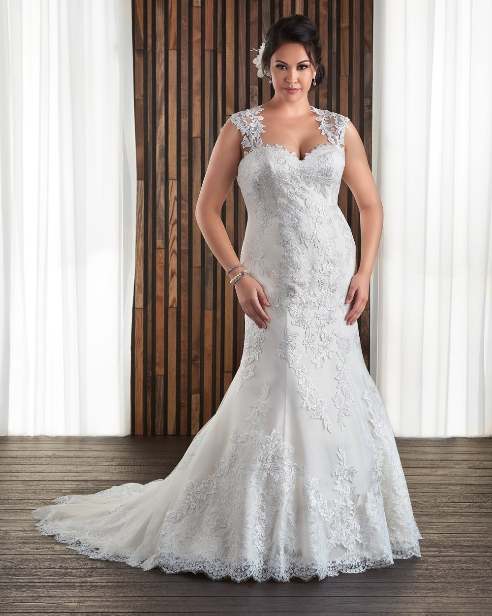 BonnyBridal-BridesbyYoung-PlusSizeWeddingDress-1712.jpg