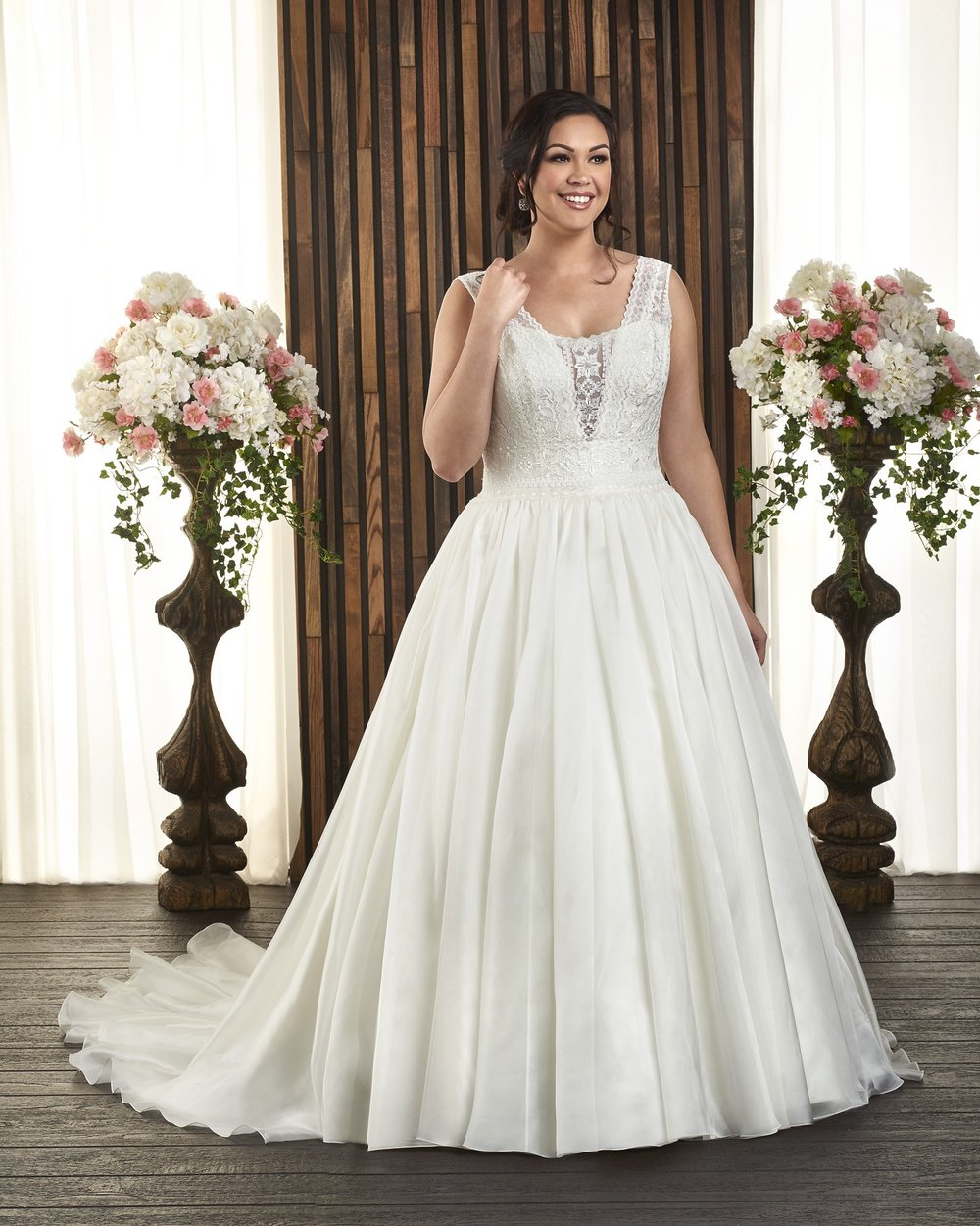 BonnyBridal-BridesbyYoung-PlusSizeWeddingDress-1720.jpg