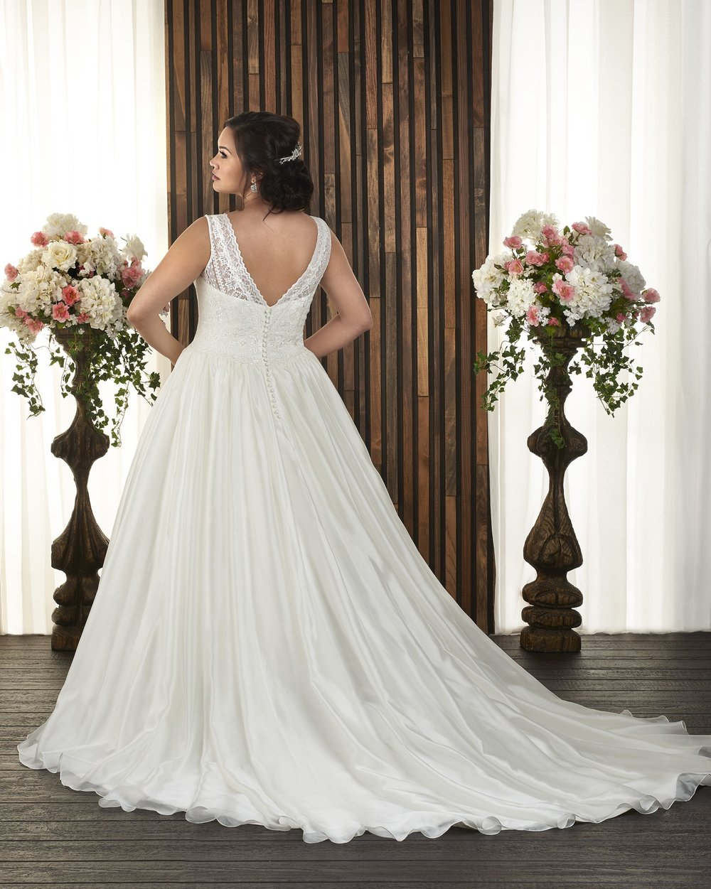 BonnyBridal-BridesbyYoung-PlusSizeWeddingDress-1720-1.jpg
