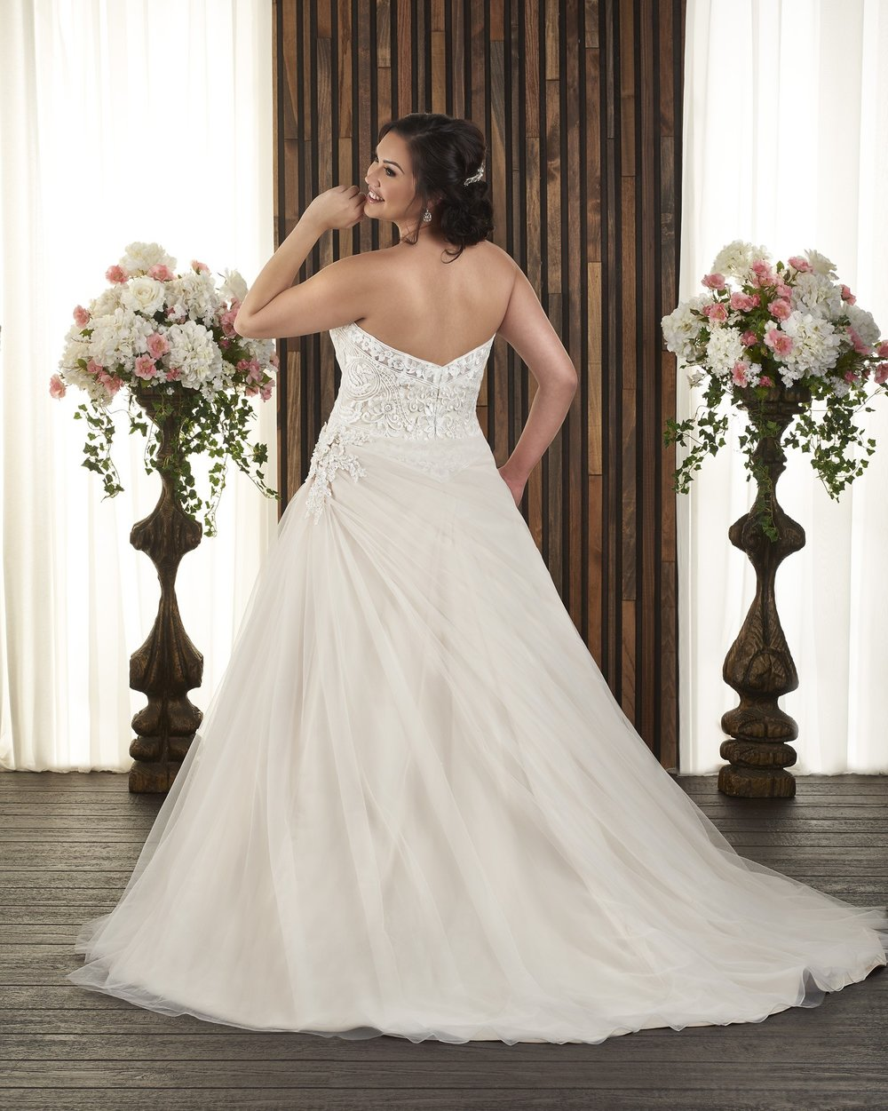 BonnyBridal-BridesbyYoung-PlusSizeWeddingDress-1728-1.jpg
