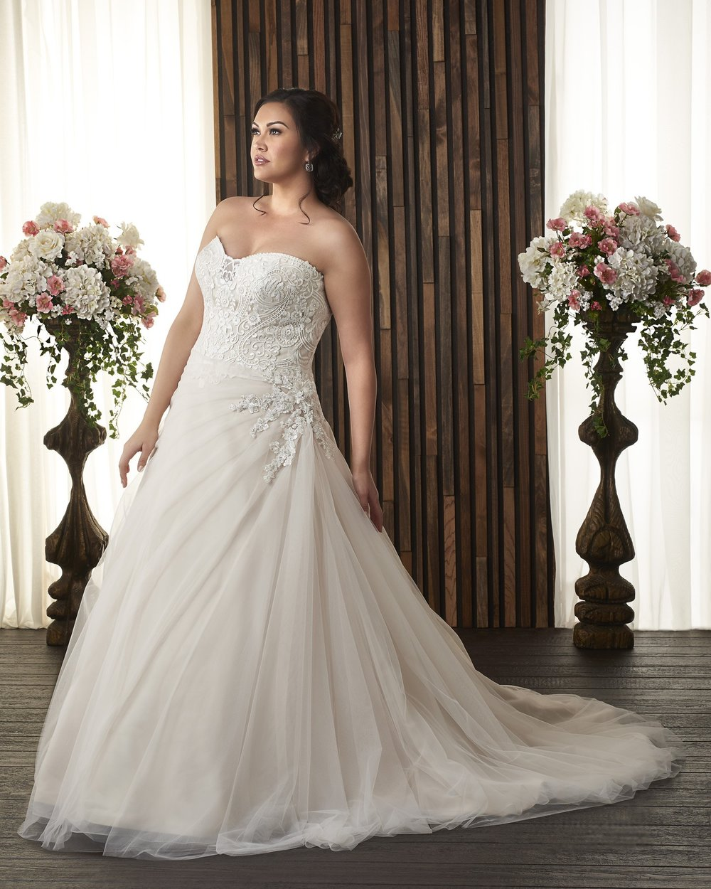 BonnyBridal-BridesbyYoung-PlusSizeWeddingDress-1728.jpg