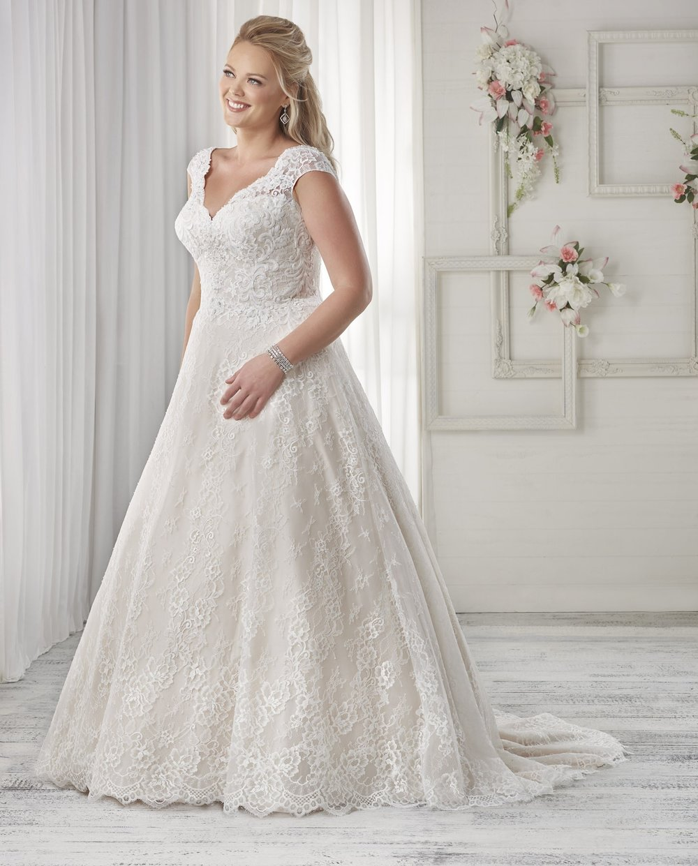 BonnyBridal-BridesbyYoung-PlusSizeWeddingDress-1601.jpg