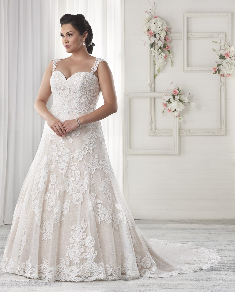 BonnyBridal-BridesbyYoung-PlusSizeWeddingDress-1603.jpg