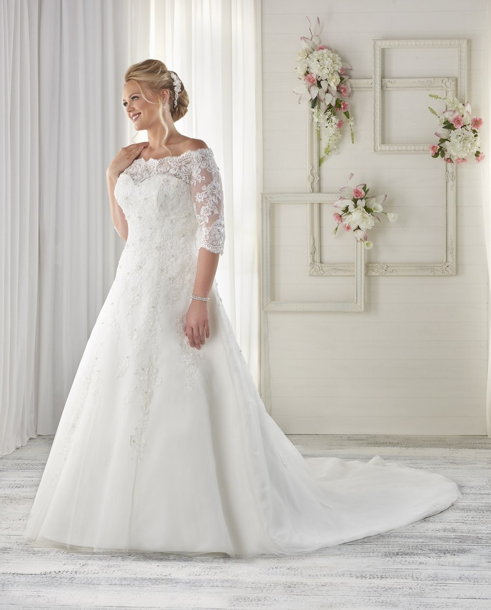BonnyBridal-BridesbyYoung-PlusSizeWeddingDress-1614.jpg