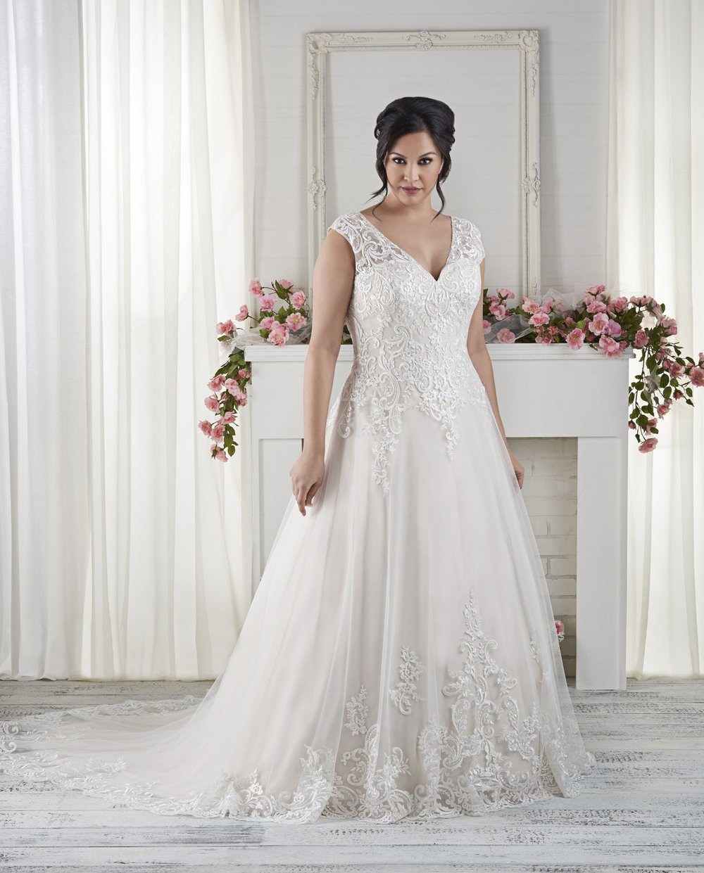 BonnyBridal-BridesbyYoung-PlusSizeWeddingDress-1621.jpg