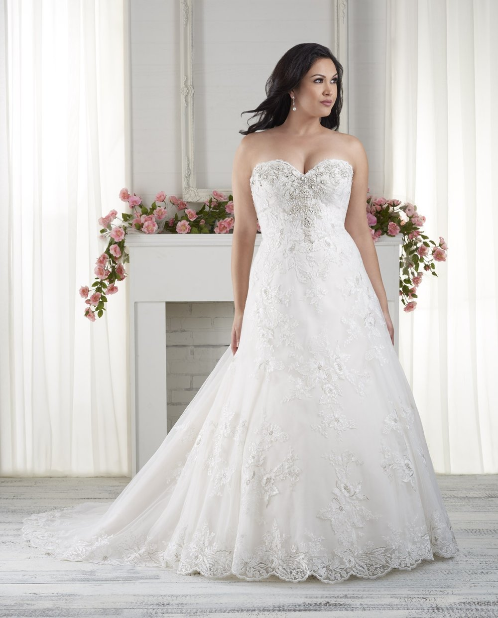 BonnyBridal-BridesbyYoung-PlusSizeWeddingDress-1623.jpg