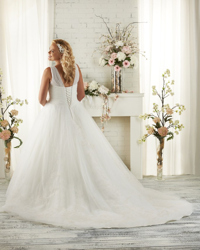 BonnyBridal-BridesbyYoung-PlusSizeWeddingDress-1502-1.jpg