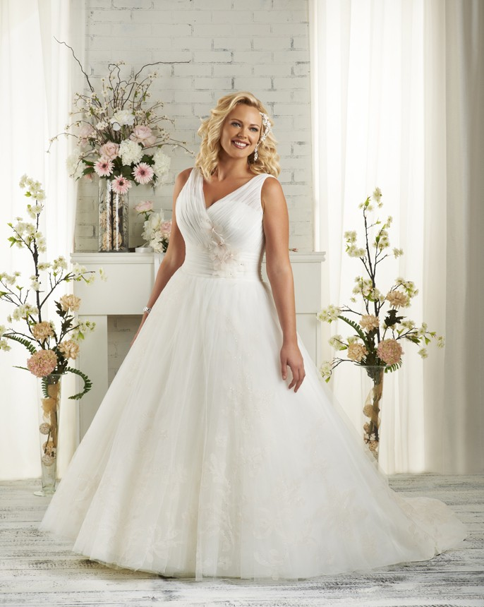 BonnyBridal-BridesbyYoung-PlusSizeWeddingDress-1502.jpg