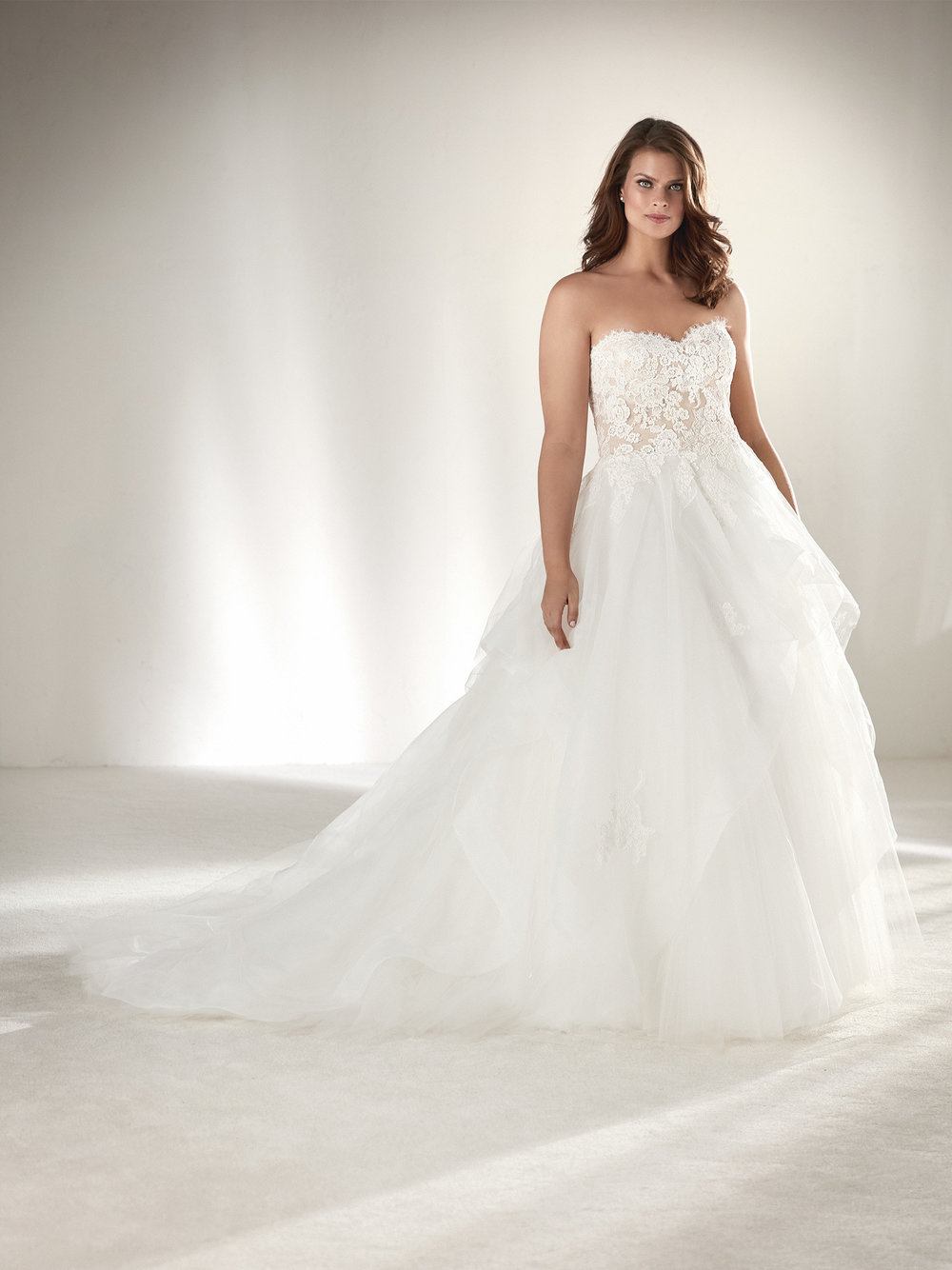 PronoviasBridal-BridesbyYoung-PlusSizeWeddingDress-Draval.jpg