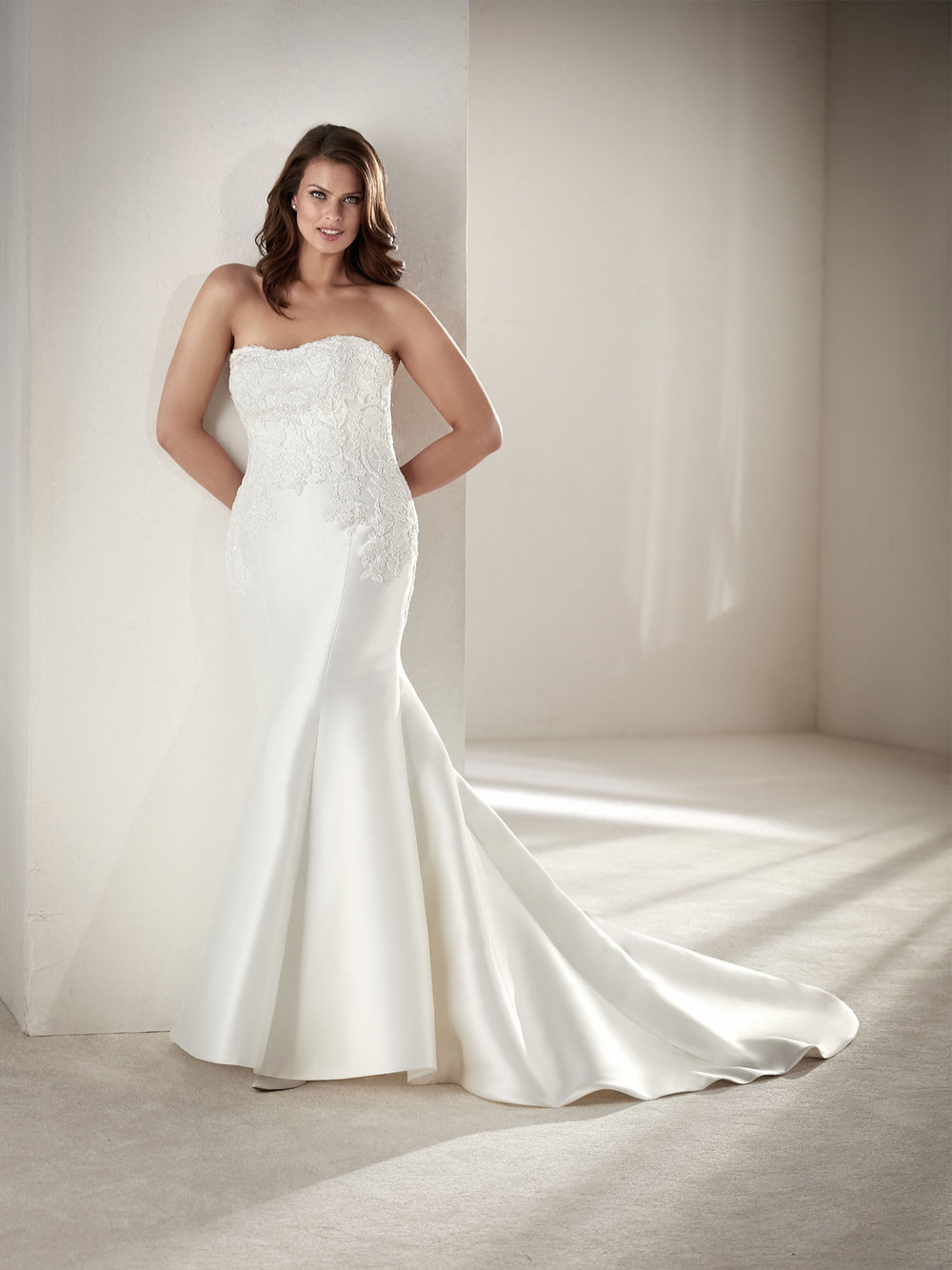 PronoviasBridal-BridesbyYoung-PlusSizeWeddingDress-Drileas.jpg