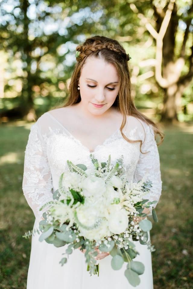 BridesbyYoung-RealBride-PlusSizeCurvyWeddingDress-JessicaRobert-7.jpg