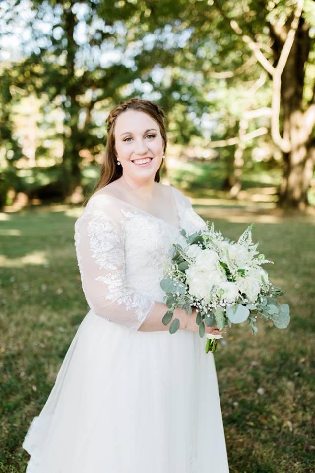 BridesbyYoung-RealBride-PlusSizeCurvyWeddingDress-JessicaRobert-1.jpg